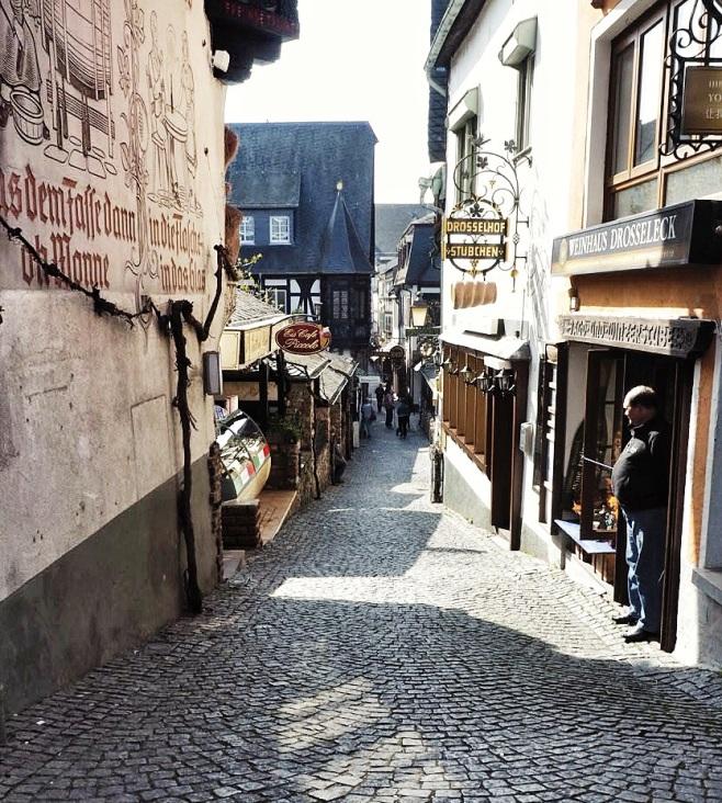 Rudeshiem Shopping Lane