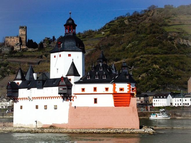 Guetenfelds Castle